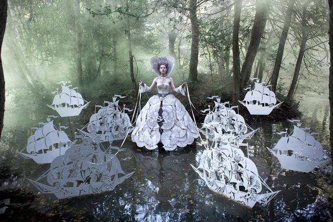 The Wonderland Book: The Queen's Armada